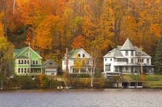 50 Small Towns Across America With the Most Beautiful Fall Foliage