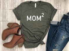 Etsy mothers day tee - shirt for mom - funny mom tee - mom tshirt - mom boss - mom gift - gift for her. Love this shirt. What Mom wouldn't want this. Mothers Day T Shirts, Mom Shirts, Shirts For Girls, Funny Shirts, Family Shirts, Wife Mom Boss, Camisa Polo, Mom Humor, Funny Humor