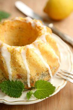 Zitronen-Mohn-Aprikosen-Gugelhupf #ichbacksmir #rührkuchen