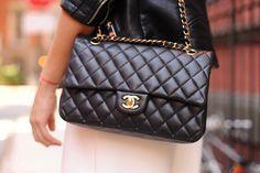 #chanelbag #blackandwhite #detailsbag