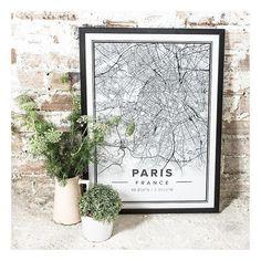   Mapp Crush   J'ai moi Aussi craqué pour les magnifiques Mapp @mapiful ... et ai longtemps hésité entre Versailles et la douce ville de Paris . J'ai finalement jeté mon dévolu sur la capitale ... qui orne deja mes murs !! Et vous quelle ville auriez vous choisi? • • • #mapiful #map #wall #walldecors #ladelicateparenthese #mapping #naturalslowlife #slowlife #slowliving #graphicdesign #design #home #homedesign #paris #parismonamour #blogger #picoftheday #decouvrirensemble