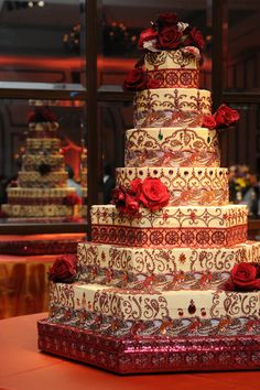 Beautiful red and white wedding cake