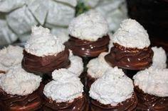Plnené kokosky - Výborné, efektné kokosky, mali veľký úspech. Oreo Cupcakes, Cupcake Cakes, Czech Recipes, Fancy Cakes, Pavlova, Christmas Cookies, Nutella, Cheesecake, Muffin