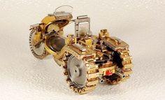 Μινιατούρες μοτοσικλετών από τα παλιά ρολόγια | SunnyDay