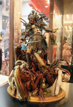 Samurai Predator / Aliens Statue