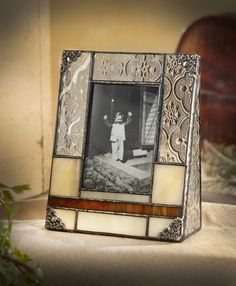 Devlin opal and brown vintage style glass picture frame will hold your favorite 2 x 3 photo elegantly in your home or office. Stained Glass Frames, Stained Glass Designs, Stained Glass Projects, Stained Glass Patterns, Stained Glass Art, Broken Glass Art, Sea Glass Art, Glass Art Design, Glass Art Pictures