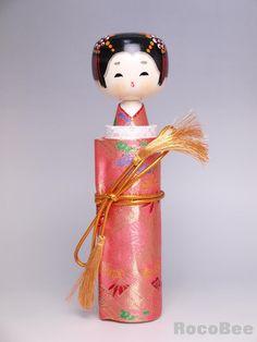 -Japanese Sayonara Doll Wooden Kokeshi Pink