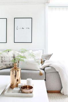 Door te kiezen voor een witte basis, kan je alle kanten op wat betreft accessoires! Hier is gekozen voor een mooie bronskleur voor een rustig geheel