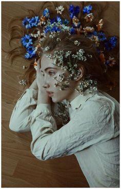 Creative Portrait Photography, Photography Women, Nature Photography, Photography Flowers, Photography Ideas, Artistic Photography, Inspiring Photography, Canon Photography, Digital Photography