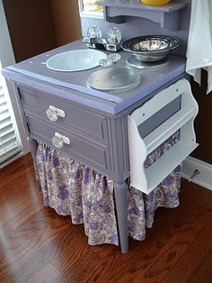 small DIY play kitchen  We already have a kitchen, but this one has a smaller footprint & is so cute!