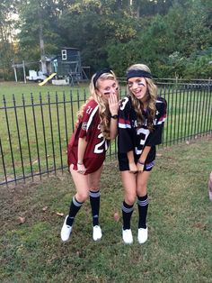 Sports Day Outfit Ideas Picture 49 trendy sport day outfit spirit week football sport in Sports Day Outfit Ideas. Here is Sports Day Outfit Ideas Picture for you. Sports Day Outfit Ideas how to wear sport outfits with zaful skirts chicisim. Football Halloween Costume, Halloween Costumes For Teens Girls, Cute Group Halloween Costumes, Trendy Halloween, Halloween Outfits, Football Player Costume, Halloween Ideas, Girl Halloween, Couple Halloween