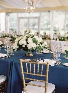 Idyllic Charleston Wedding at Lowndes Grove Plantation - MODwedding Blue Dining Tables, Classic Wedding Flowers, Mod Wedding, Wedding Blue, Engagement Ring Styles, Wedding Coordinator, Wedding Reception Decorations, Cress, Charleston