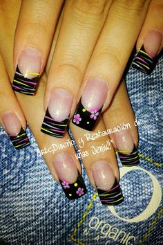 Francesa - Con rayas y flores French Nail Designs, Creative Nail Designs, Toe Nail Designs, Creative Nails, Acrylic Nail Designs, Acrylic Nails, Long Nail Art, Nail Tattoo, Pretty Nail Art