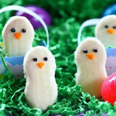 Recipe For Nutter Butter Easter Chicks - These were just too cute not to share! And so simple...easy to make these little Easter chick cookies.