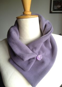 handmade scarf with a stamped button by elke verschooten