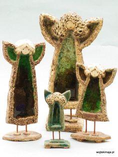 WOJTEK i MAJA pracownia ceramiki szamotowej Christmas Clay, Christmas Crafts, Ceramic Pottery, Ceramic Art, Ceramic Christmas Decorations, Pottery Angels, Clay Angel, Handmade Angels, Ceramic Angels