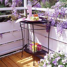 """... und noch eine Idee für den kleinen Balkon: ein """"halber Tisch"""""""