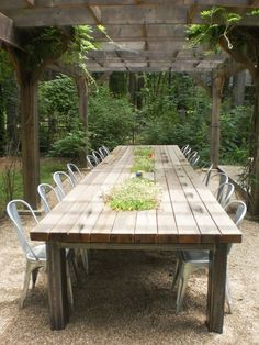 Poolside outdoor dining table (seat up to esstisch Harbor Country Cottage, Private Built-in Pool, Beach Access, Full Acre Lot! Outdoor Farmhouse Table, Diy Outdoor Table, Outdoor Seating, Outdoor Harvest Table, Rustic Outdoor Kitchens, Diy Picnic Table, Barn Table, Rustic Outdoor Decor, Rustic Farmhouse Table