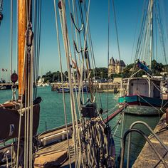 Pornic, Loire Atlantique #pornic #loireatlantique #boat #traditional #castle #bluebeard #France #Harbour Brooklyn Bridge, France, Photography, Travel, Instagram, Photograph, Viajes, Photo Shoot, Trips