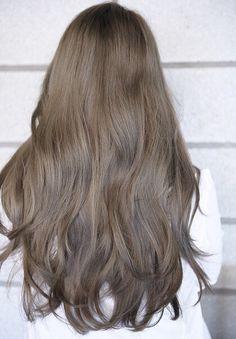Hairstyle fashion girls we love to wearing this season 2019 00069 ~ Litledress - Cabello Rubio Brown Blonde Hair, Light Brown Hair, Brunette Hair, Korean Hair Color, Hair Shades, Aesthetic Hair, Brown Hair Colors, Hair Highlights, Pretty Hairstyles