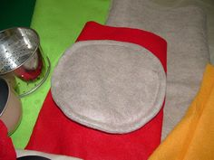 The Amazing Changing Pizza Crust (Tortilla) - Felt Food Cook-Along Begins by piecesbypolly.com