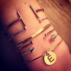 Composition de bracelets jonc en argent et plaqué or - L'Atelier d'Amaya #bracelet #jewels #bijoux #femme #Bordeaux #Aix #Toulouse #Lyon