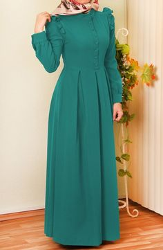 Ece Fırfırlı Elbise – Petrol Yeşili There are different rumors about the history of the marriage dress; Muslim Women Fashion, Islamic Fashion, Abaya Fashion, Fashion Dresses, Ruffle Dress, Dress Skirt, Estilo Abaya, Hijab Style Dress, Fashion Clothes