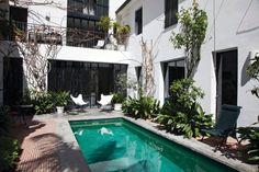 J'aime la piscine de la casa honoré qui s'articule tel un patio