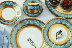 The China:    Haviland Flammes D'or - Blue