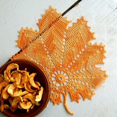Háčkovaný list - oranžový Hand Fan, Pasta, Creative, Craft, Pineapple Pattern, Hand Fans, Fan, Noodles, Pasta Dishes