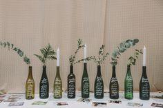Geschenk Hochzeit – Recycled green bottles used as a wedding table plan - Beste Geschenk Wedding Table Decorations, Wedding Centerpieces, Diy Wedding, Dream Wedding, Wedding Blog, Wedding Ideas, Luxury Wedding, Wedding Favors, Last Minute Wedding