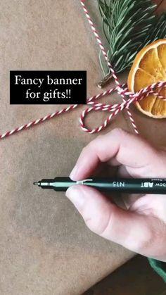 Diy Crafts Hacks, Diy Crafts For Gifts, Holiday Crafts, Paper Crafts, Holiday Fun, Creative Gift Wrapping, Creative Gifts, Wrapping Presents, Wrapping Ideas