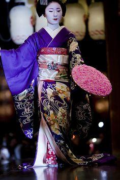 Makino during Higashiyama Hanatouro