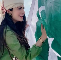 Pakistani Actresses on Independence day - Pakistani stars were seen waving Pakistan's flag and painting the country green. We saw Pakistani actresses in differe Pakistani Models, Pakistani Girl, Pakistani Actress, Independence Day Pictures, Pakistan Independence Day, Stylish Girls Photos, Stylish Girl Pic, Cute Beauty, Beauty Full Girl