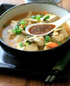 Homemade Slow Cooker Chinese Hot Pot | Can't decide what to make for dinner tonight? Give this recipe a try!