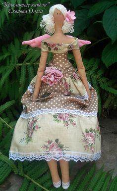 Love this floral Tilda angel: Doll Toys, Baby Dolls, Tilda Toy, Angel Crafts, Fabric Toys, Bear Doll, Sewing Dolls, Doll Maker, Waldorf Dolls