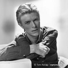 David Bowie portrait by Tom Kelley, 1975. #mptvimages
