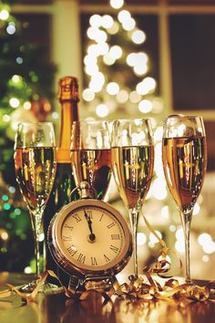 We will be open on January 1st. Come and say hello! Thank you for being a valued customer at La Corona. We look forward to serving you in 2015. We wish you peace, happiness, joy and abundant good health in the new year. May 2015 be your best year yet! Happy New Year! La Corona Team #LaCoronaMR #Holidays #HappyNewYear #2015 #Joy #Health #Happiness #Happy2015