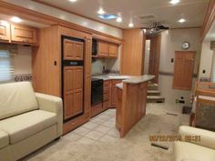 2009 Used Carriage Cameo 37 RE3 Fifth Wheel in Texas TX.Recreational Vehicle, rv, 2009 Carriage Cameo 37 RE3, Offering this luxury used Cameo that has been amazingly taken care off, always stored in doors on concrete, You will look but you will not find another pre owned camper of this caliber for this price range available. The 2009 Cameo has features such as 2009 Cameo by Carriage LXI Fifth Wheel Series M-37RE3 Equipment: Prices and Specs 2009 Cameo by Carriage LXI Fifth Wheel Series…