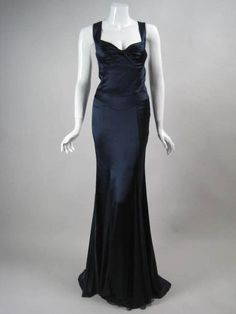 Versace Midnight Blue Silk Gown with Godet Inserts in Skirt Navy Blue Prom Dresses, Elegant Prom Dresses, Pretty Dresses, Amazing Dresses, Sexy Dresses, Designer Evening Dresses, Evening Gowns, Runway Fashion, Fashion Outfits
