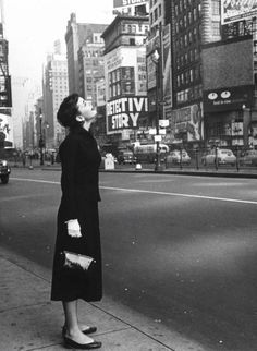 Audrey Hepburn, Times Square, 1951