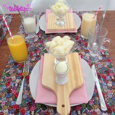 TBTable: café da manhã de Páscoa [http://www.tabletips.com.br] tbtable 2  Tábua Sousplat porta ovos Porta Guardanapo patchwork Páscoa ovo de Páscoa crochê coelhinho cenoura Caminho de mesa Café da manhã