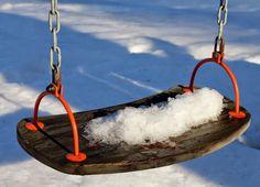 Finnish lifestyle blogger www.ruuhkavuodet.net: A frozen swing in February