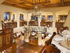 Das Restaurant des BEST WESTERN Plus Berghotel Rehlegg im malerischen Berchtesgadener Land: Die erlesenen Wildgerichte direkt aus dem Nationalpark Berchtesgaden, die bayerischen Mehlspeisen und die lokalen Spezialitäten sind bei den Gästen des Hotels heiß begehrt.