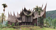 Provinsi Sumatera Barat / Sumbar  Rumah Adat Tradisional : Rumah gadang