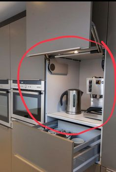 """The word """"Ergonomics"""" comes from two Greek words: """"Ergon"""", meaning work, and """"Nomos"""" meaning """"Laws"""". Today, however, the word is used to describe the science of designing the environment to fit the… 28 Amazing Ergonomic Kitchens Design I Kitchen Room Design, Kitchen Cabinet Design, Modern Kitchen Design, Home Decor Kitchen, Kitchen Furniture, Diy Kitchen, Interior Design Living Room, Kitchen Cabinets, Kitchen Ideas"""