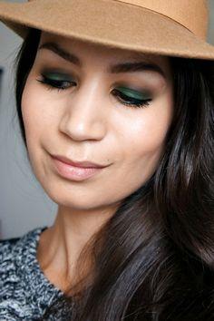 http://www.beautylab.nl/dark-green-eyelook/