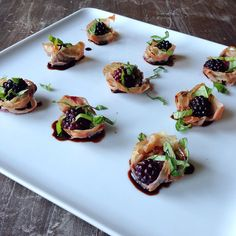 Baked Blackberry Prosciutto Cups via whole30recipes