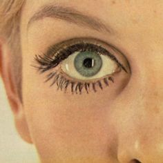 Twiggy eye make up from 60's