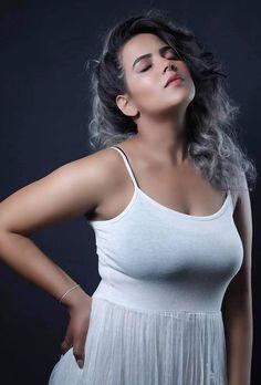 Beautiful Girl In India, Beautiful Women Over 40, Beautiful Girl Photo, Most Beautiful Bollywood Actress, Bollywood Actress Hot Photos, Bollywood Girls, Cute Beauty, Beauty Full Girl, Beauty Women